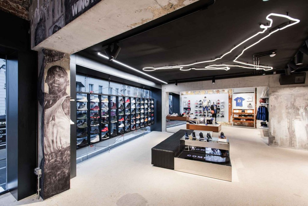 who build the nike shop in paris?